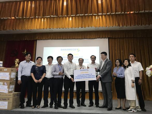 TP.HCM nhận 30.000 khẩu trang và nhiều vật tư y tế để chống dịch COVID-19